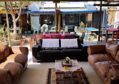 outside-lounge